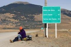 Viajantes na estrada Fotos de Stock Royalty Free