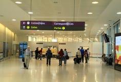 Viajantes na Toronto Pearson Airport Imagem de Stock