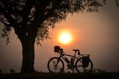 Viajar a la bici Imágenes de archivo libres de regalías