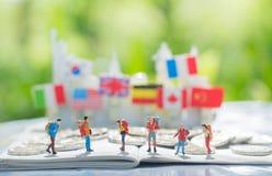 Viajar, viaja e viaja ao conceito do fundo do destino foto de stock royalty free