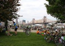 Viaje 2010 de la bici de NYC 5 Boro - parada del resto Foto de archivo