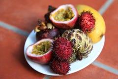 Viaje asiático: frutas exóticas sabrosas Imagen de archivo