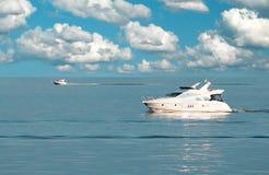 Viaje de automóvel boats-1 Fotos de Stock