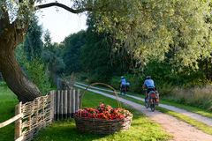 Viaje de ciclo en Letonia Imagen de archivo libre de regalías