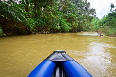 Viaje de la canoa en el parque nacional de Khao Sok Fotos de archivo libres de regalías