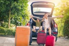 Viaje de la familia con el coche Foto de archivo