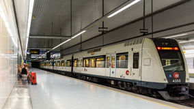 Viaje de la gente en metro en Valencia City céntrico Imagenes de archivo