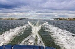 Viaje de pesca con el barco rápido Foto de archivo libre de regalías