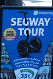 Viaje de Segway del anuncio de Berlín ilustración del vector