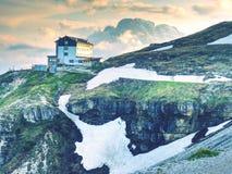 Viaje de Tre Cime, choza alpina Parque nacional Tre Cime di Lavaredo Imagenes de archivo