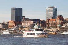 Viaje del barco del puerto de Hamburgo fotos de archivo