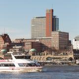 Viaje del barco del puerto de Hamburgo foto de archivo