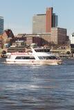 Viaje del barco del puerto de Hamburgo foto de archivo libre de regalías