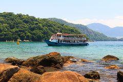 Viaje del barco en la isla Ilha grande, el Brasil Imagenes de archivo