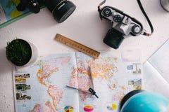 Viaje del concepto Mapa de Ucrania, atlas Kiev, Ucrania, el 18 de enero de 2018 Imágenes de archivo libres de regalías