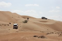 Viaje del jeep - arenas de Wahiba, Omán fotografía de archivo
