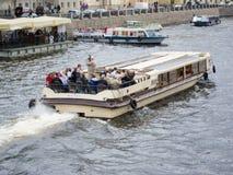 Viaje del río en St Petersburg Fotos de archivo libres de regalías