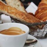 Viaje: desayuno en París Imagen de archivo
