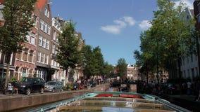 Viaje en barco - viaje del canal de Amsterdam de visita turística de excursión popular almacen de video