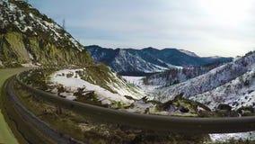 Viaje en el Chuysky Trakt a trav?s del paso Chike Taman almacen de video