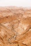 Viaje en el desierto de piedra que camina aventura de la actividad Fotos de archivo libres de regalías