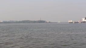 Viaje en el Mar Arábigo cerca de la entrada de la India, Bombay almacen de video