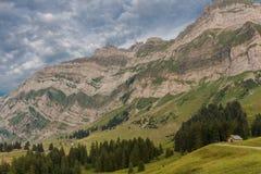 Viaje exploratorio con la región hermosa de la montaña de Appenzell foto de archivo