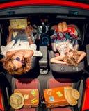 Viaje feliz de la familia en coche Foto de archivo libre de regalías