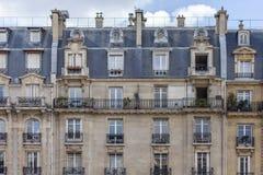 Viaje Francia: ventanas de París Imagen de archivo