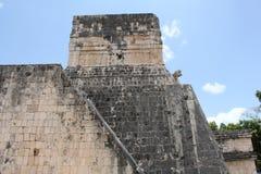 Viaje a la cueva maya de la pirámide del arte de México donde los sacrificios fueron realizados imagenes de archivo
