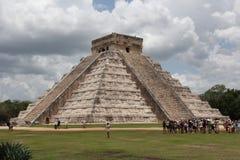Viaje a la cueva maya de la pirámide del arte de México donde los sacrificios fueron realizados fotografía de archivo libre de regalías