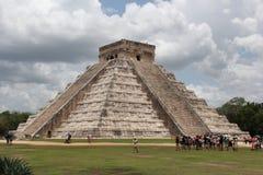 Viaje a la cueva maya de la pirámide del arte de México donde los sacrificios fueron realizados fotografía de archivo