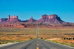 Viaje por carretera al valle del monumento, Arizona, los E.E.U.U. Fotos de archivo libres de regalías