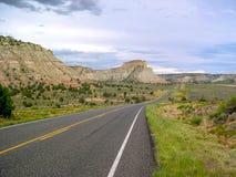 Viaje por carretera en U S A con Mountain View fotografía de archivo libre de regalías