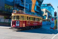 Viaje rojo de la ciudad de la tranvía en Christchurch, Nueva Zelanda Imágenes de archivo libres de regalías