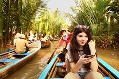 Viaje turístico adolescente de la muchacha en Vietnam Foto de archivo libre de regalías