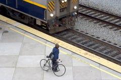 Viajero de la bici/del tren Fotografía de archivo