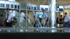 Viajeros del aeropuerto almacen de video