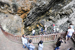 Viajes de la cueva del lago Imagenes de archivo
