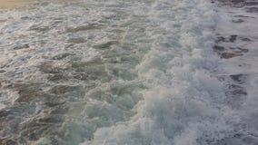 Viajes que traen salud, aire fresco del barco en la orilla foto de archivo