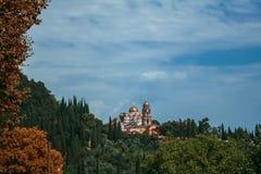 Viajes y días de fiesta en Abjasia, nuevo Athos Nuevo Athos Simon el monasterio fanático - monasterio en el pie del monte Athos e Fotografía de archivo libre de regalías