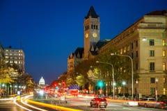 Viale alla notte, Washington DC, U.S.A. della Pensilvania Fotografia Stock Libera da Diritti