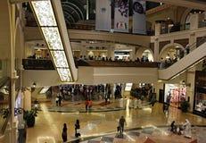 Viale degli emirati in Doubai immagini stock libere da diritti