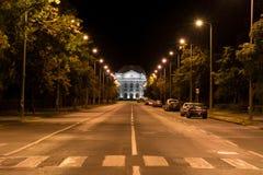 Viale dell'università a Debrecen alla notte Fotografia Stock