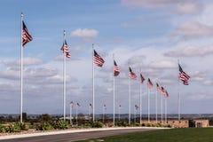 Viale delle bandiere al cimitero nazionale di Miramar immagini stock libere da diritti