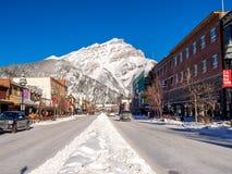 Viale di Banff nell'inverno Fotografia Stock