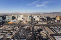 Viale di Las Vegas Tropicana ed antenna da uno stato all'altro 15 Immagine Stock Libera da Diritti