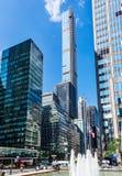 Viale di lusso del parco del grattacielo Fotografia Stock