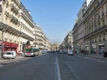 Viale parigino immagine stock libera da diritti