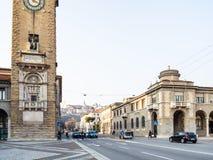 Viale Rom nahe Turm von gefallen in Bergamo lizenzfreies stockfoto